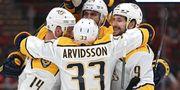 НХЛ. Победы Тампы и Ванкувера, поражения Вашингтона и Аризоны