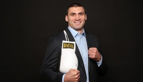 Украинский боксер Виктор Выхрист дебютирует в профи в феврале