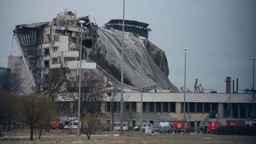 ВИДЕО. Как рухнула крыша. Трагедией завершился снос спорткомплекса в Питере