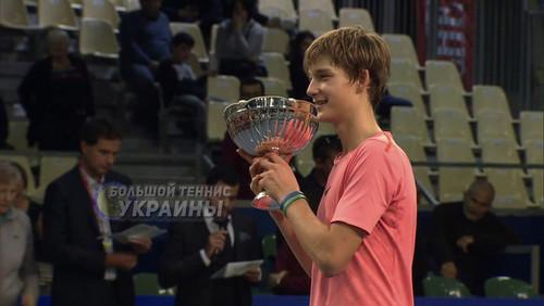 Украинец Пономарь выиграл юношеский турнир во Франции