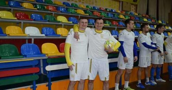 Мини футбол украина испания видео