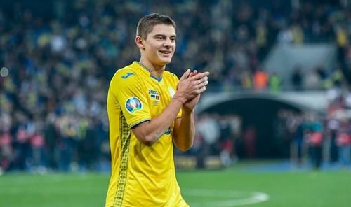 Виталий Миколенко – лучший молодой футболист Украины 2019