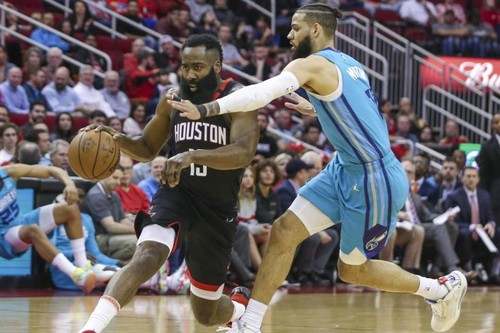 НБА. 40 очков Хардена помогли Хьюстону обыграть Шарлотт, победа Лейкерс