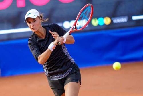 Калинина вышла в четвертьфинал турнира в Мидленде