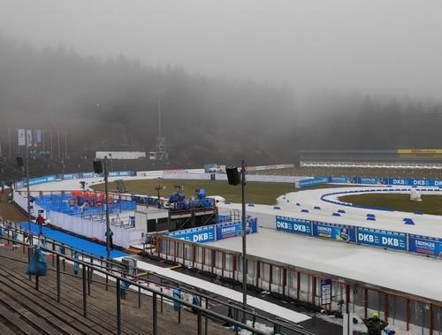 Отсутствие снега помешало проведению чемпионата Европы по биатлону