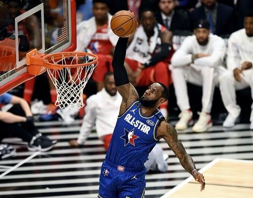 Леброн Джеймс в 16-й раз вийшов у старті Матчу зірок. Це рекорд НБА