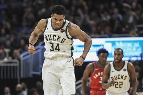 Мощнейшие данки Адетокунбо в топ-5 дня в НБА