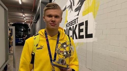 Холанд забивав за Боруссію першим ударом в площину воріт у всіх турнірах
