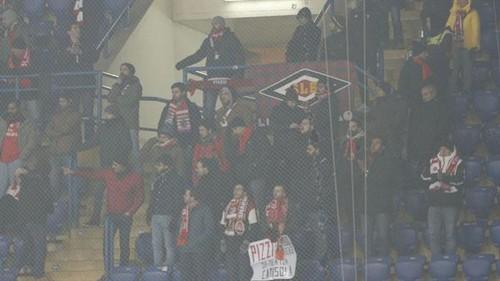Группу фанатов Бенфики избили хулиганы после матча в Харькове
