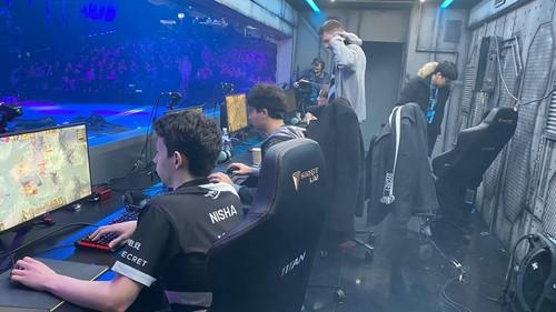 Team Secret зіграє з Virtus.pro у фіналі верхньої сітки турніру в Києві