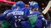 НХЛ. 9 шайб Ванкувера, 700 гол Овечкина и 42-летний вратарь Каролины
