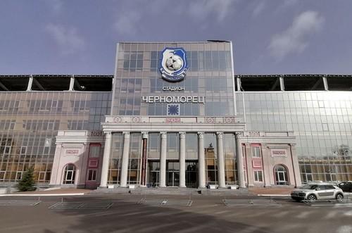 ФОТО. Ветер сдул колонну на стадионе Черноморца в Одессе