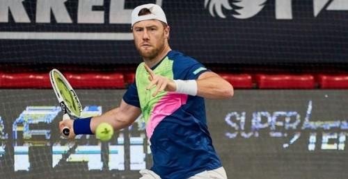 Марченко выиграл напряженный матч и продолжает участие в турнире во Франции