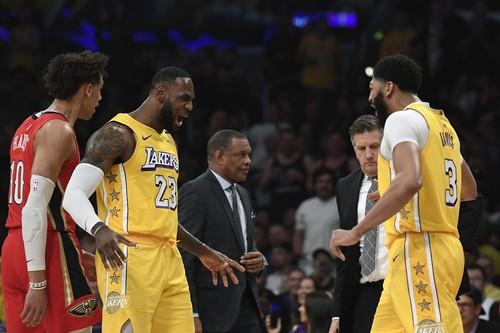 НБА. 40 очков Леброна помогли Лейкерс обыграть Нью-Орлеан, второй матч Лэня