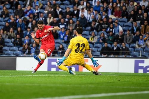 Лига Европы. МЮ вышел в 1/8 финала, Олимпиакос выбил Арсенал