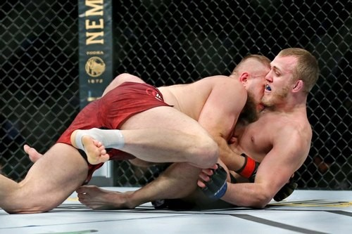 ФОТО. Украинец Спивак проиграл по очкам на турнире UFC Fight Night 169