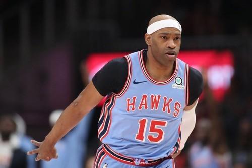 43-річний Вінс Картер став шостим в історії НБА за триочковими