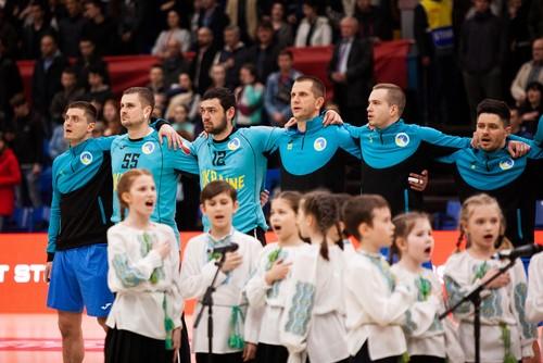 Стал известен состав сборной Украины на матч с чемпионами мира