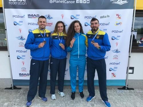 Українські веслувальники завоювали 8 медалей на етапі КМ у Польщі