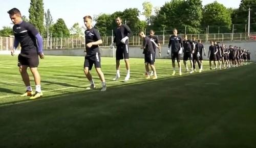 ВІДЕО. Чорноморець провів тренування в Совіньоні перед матчем з Десною