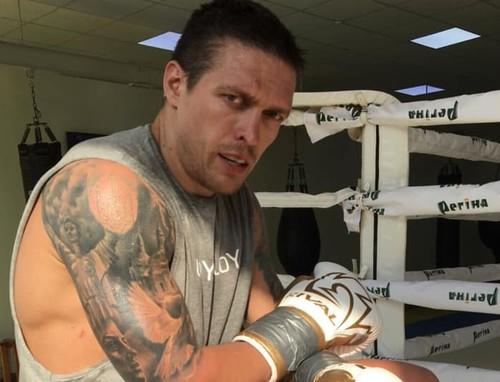 Усик может в ноябре выйти на ринг против Джошуа