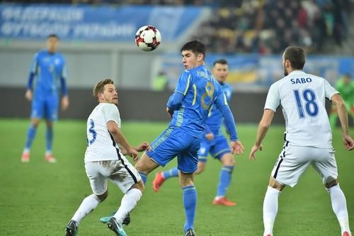 Руслан МАЛИНОВСКИЙ: «У Сербии очень хороший подбор игроков»