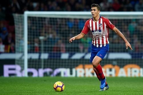 Манчестер Сити предложил 70 млн евро за хавбека Атлетико