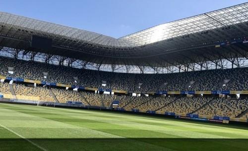 «Виходь з хати вболівати»: болельщики направляются во Львов