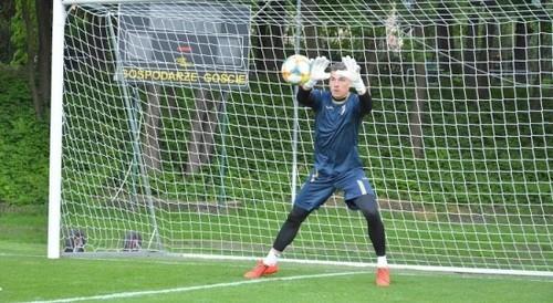 Лунин может прибыть в сборную Украины U-20 на матч с Италией