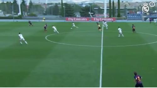 Капитан Реала забил супергол с центра поля в ворота Барселоны