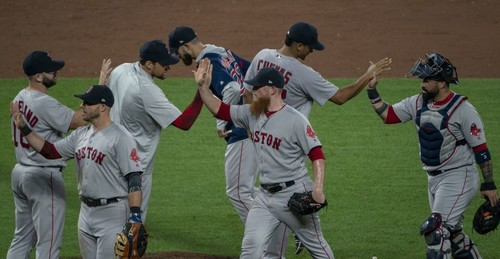 Бейсболистам Бостона запрещено играть в Fortnite на тренировочной базе