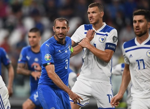 Группа J. Победы Италии, Финляндии и Армении