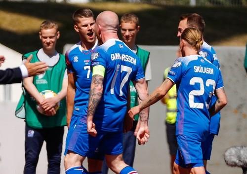 Группа Н. Исландия обыграла Турцию, победа Франции