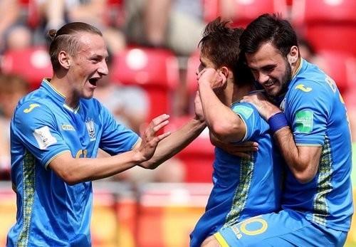 Украина выиграла 3 из 5 матчей у команд из Азии на чемпионатах мира
