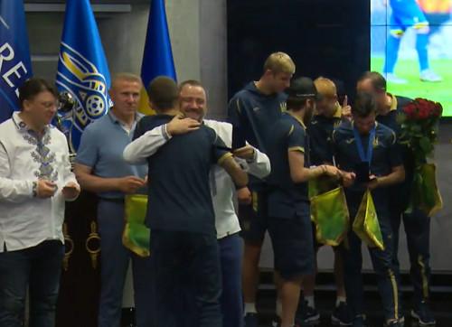 Игроки сборной U-20 получили звания мастеров спорта Украины