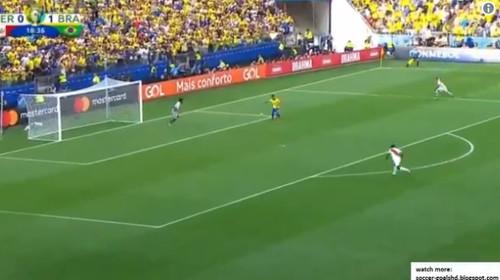 Фирмино забил слепой гол за сборную Бразилии