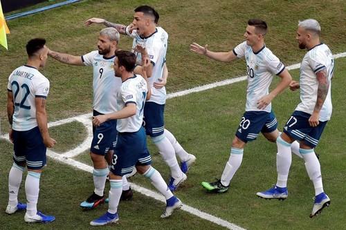 Кубок Америки. Колумбия и Аргентина пробились в 1/4 финала