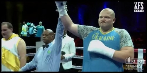 Украинец Шевадзуцкий уверенно стартовал на профессиональном ринге