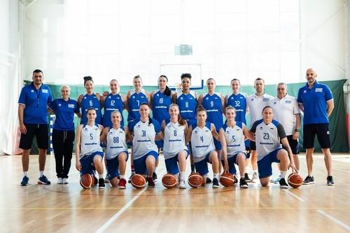 Женская сборная Украины прилетела в Ригу на чемпионат Европы