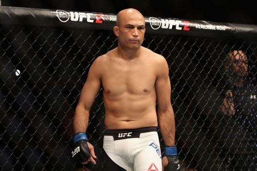 ВИДЕО. Легенда UFC Би Джей Пенн подрался с охранником стрип-клуба