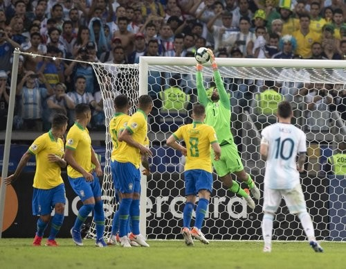 Бразилия обыграла Аргентину, Свитолина вышла в третий круг Уимблдона