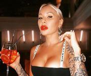 ВИДЕО. Ирина Морозюк эротично поддержала Bottle Cap Challenge