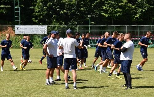Футболисты Мариуполя работают над тактической подготовкой