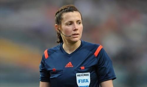 Украинка отработала четвертым арбитром в полуфинале женского ЧМ