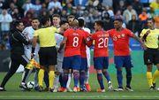 Сборная Аргентины в матче с двумя удалениями обыграла Чили