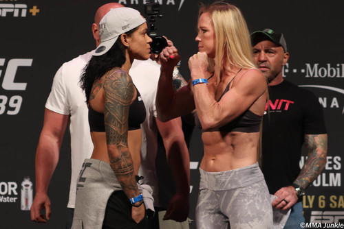 UFC 239. Аманда Нуньес – Холли Холм. Прогноз и анонс на бой
