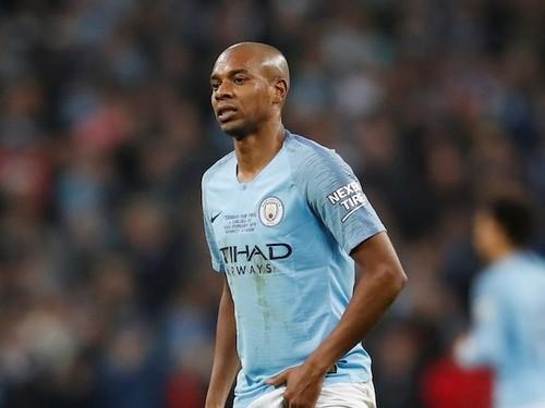 Манчестер Сити вскоре предложит Фернандиньо новый контракт