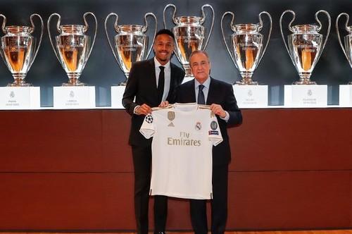 Мілітао стало погано під час презентації в Реалі, він покинув зал