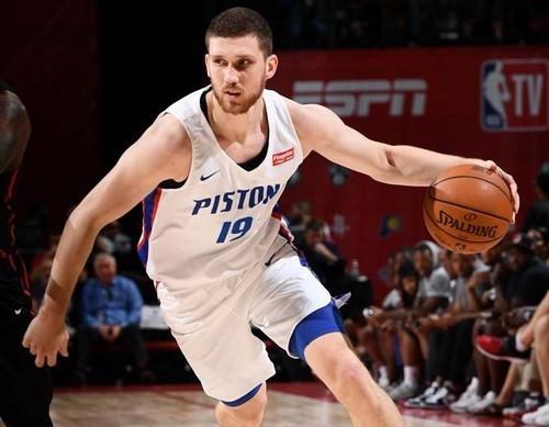 Святослав Михайлюк сыграет в плей-офф Летней лиги НБА