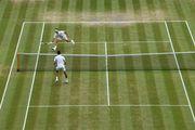 ВИДЕО. Длиннейший розыгрыш Джоковича и Федерера из 35 ударов
